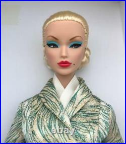 12 FRBuenos Aires Victoire Roux Dressed Doll2013 IT Direct ExclusiveMIBRead
