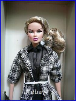 NRFB 12 Refinement Vanessa Perrin LE 800 Dresse Integrity Toys Fashion Royalty