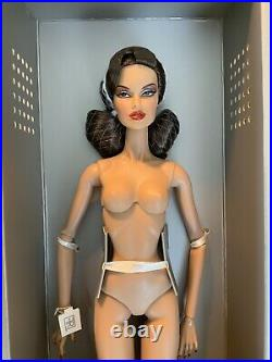NUDE Vanessa Perrin- Retro Dimensional Fashion Royalty Integrity Toys NO STAND