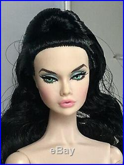 Poppy Parker Chiller Thriller Luxe Life Convention Nude Doll & Stand